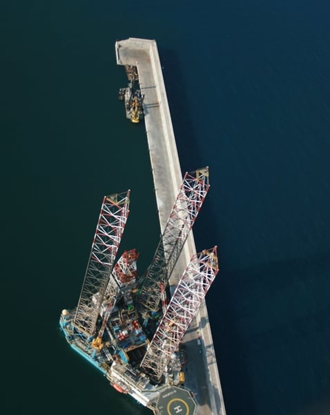 Picture of an oil rig from the sky in Spain