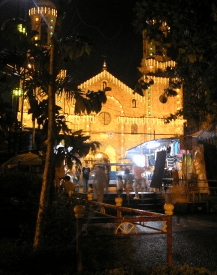 Christmas traditions in the Philippines - Brightly Lit Churches