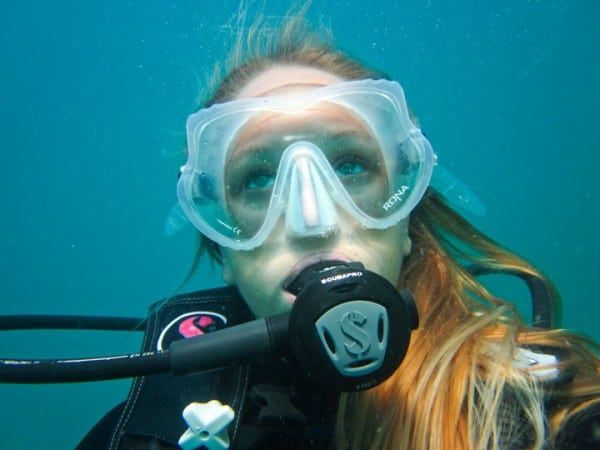 Get paid to travel the world - underwater (1)