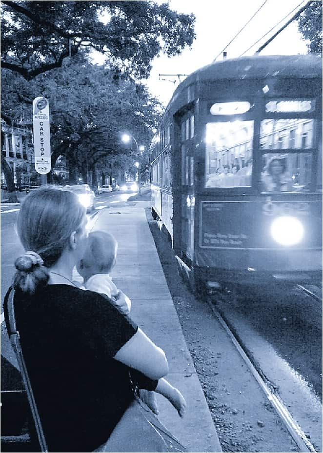 Abi and Rosa with streetcar in New Orleans