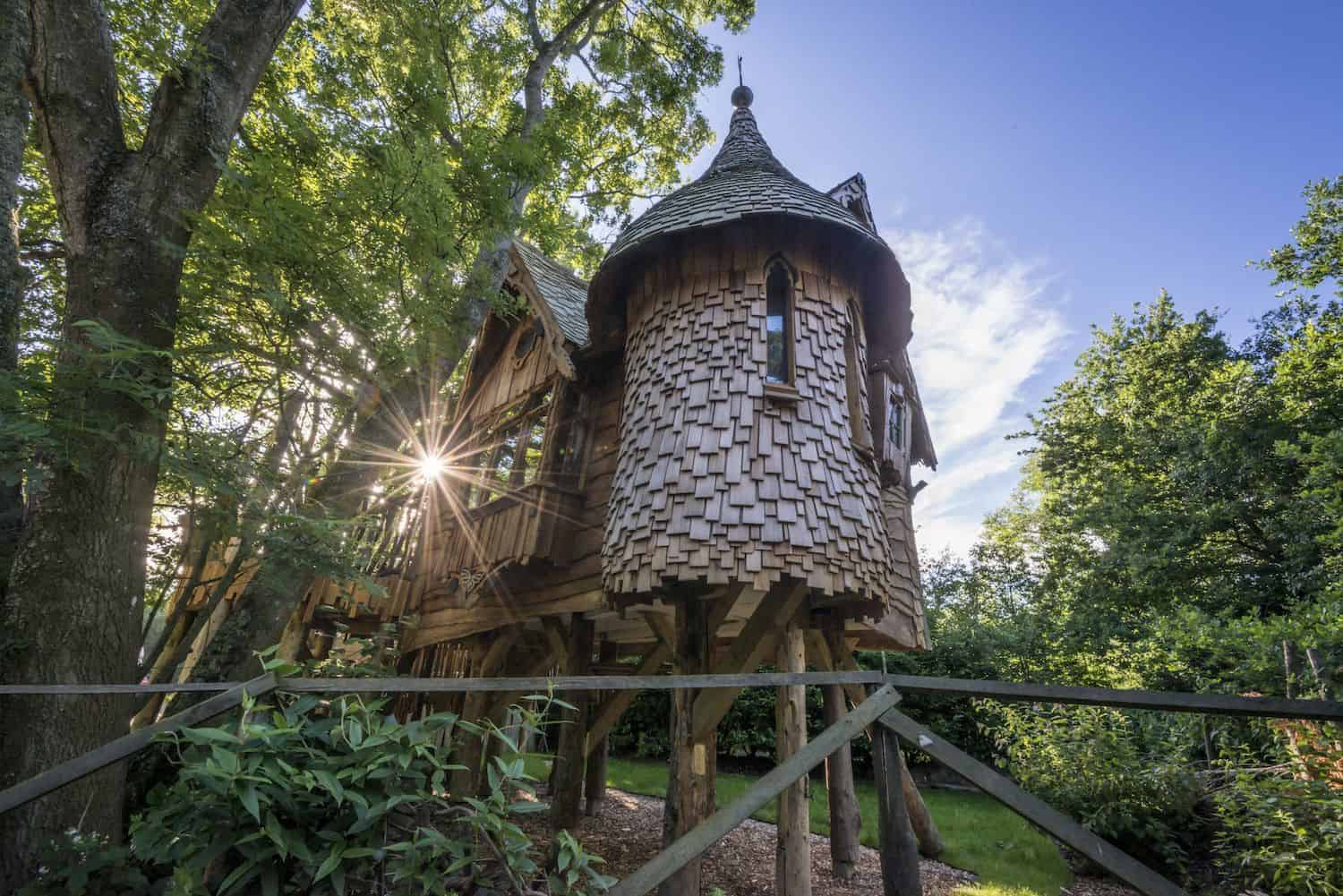 Treehouse holidays UK treehouse photo