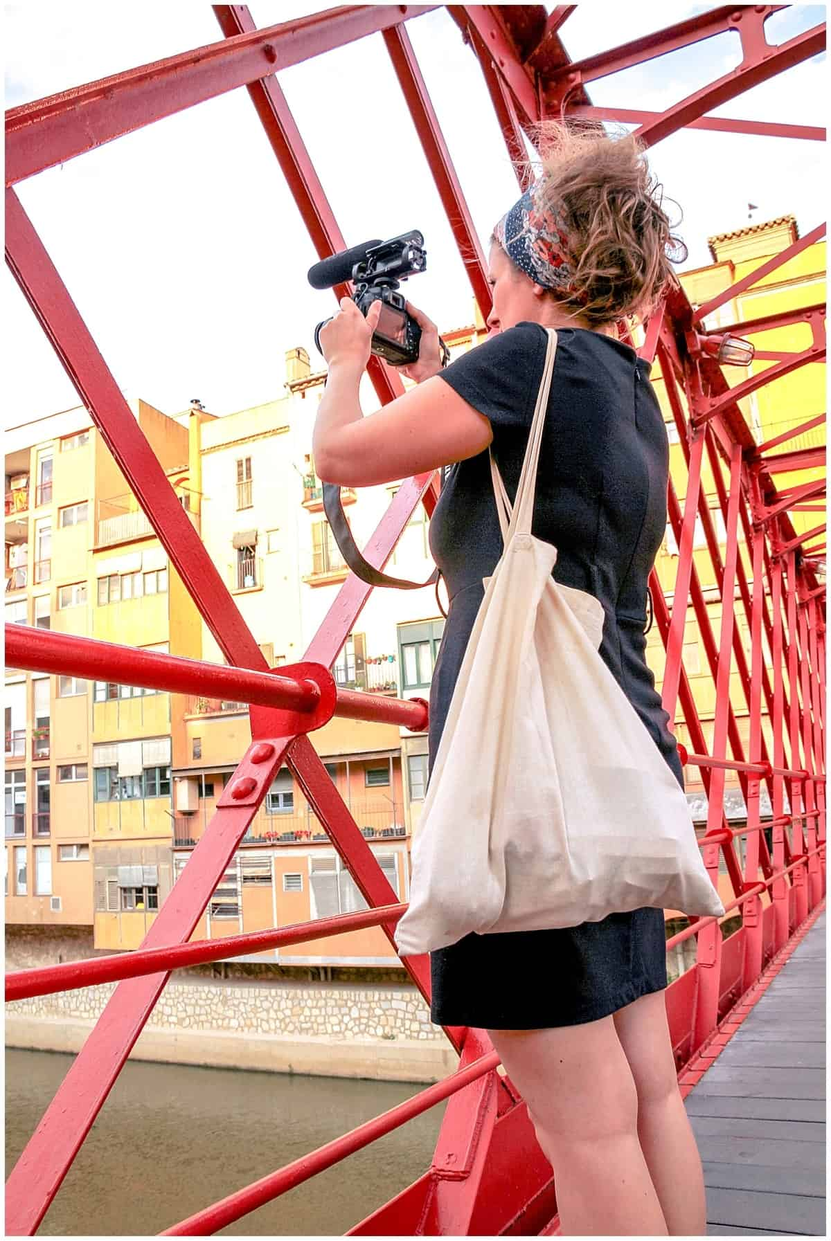 Yvonne Zagerman vlogging in Girona