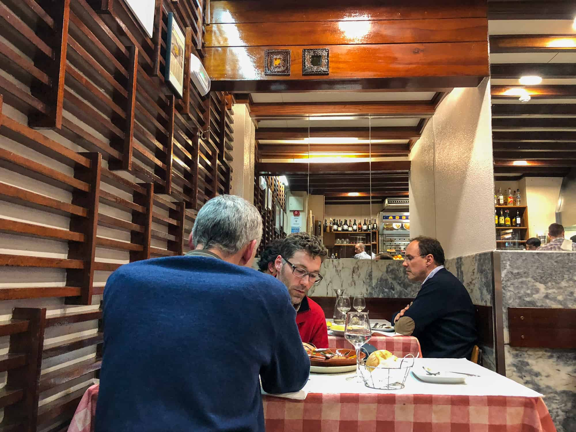 Portugal - Porto - Unusual things to do in the city -Eat authentic fare at O Buraco restaurant