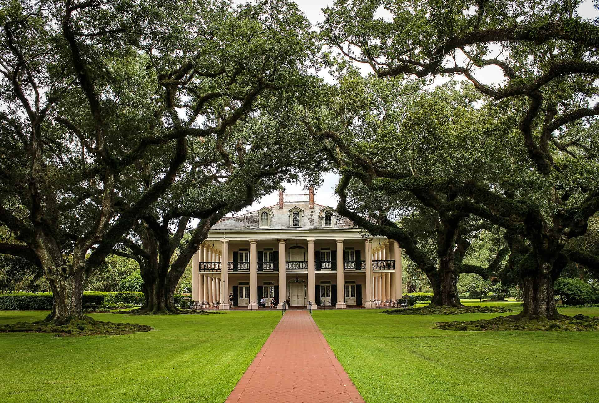USA - Louisiana - Oak Alley Plantation Facade
