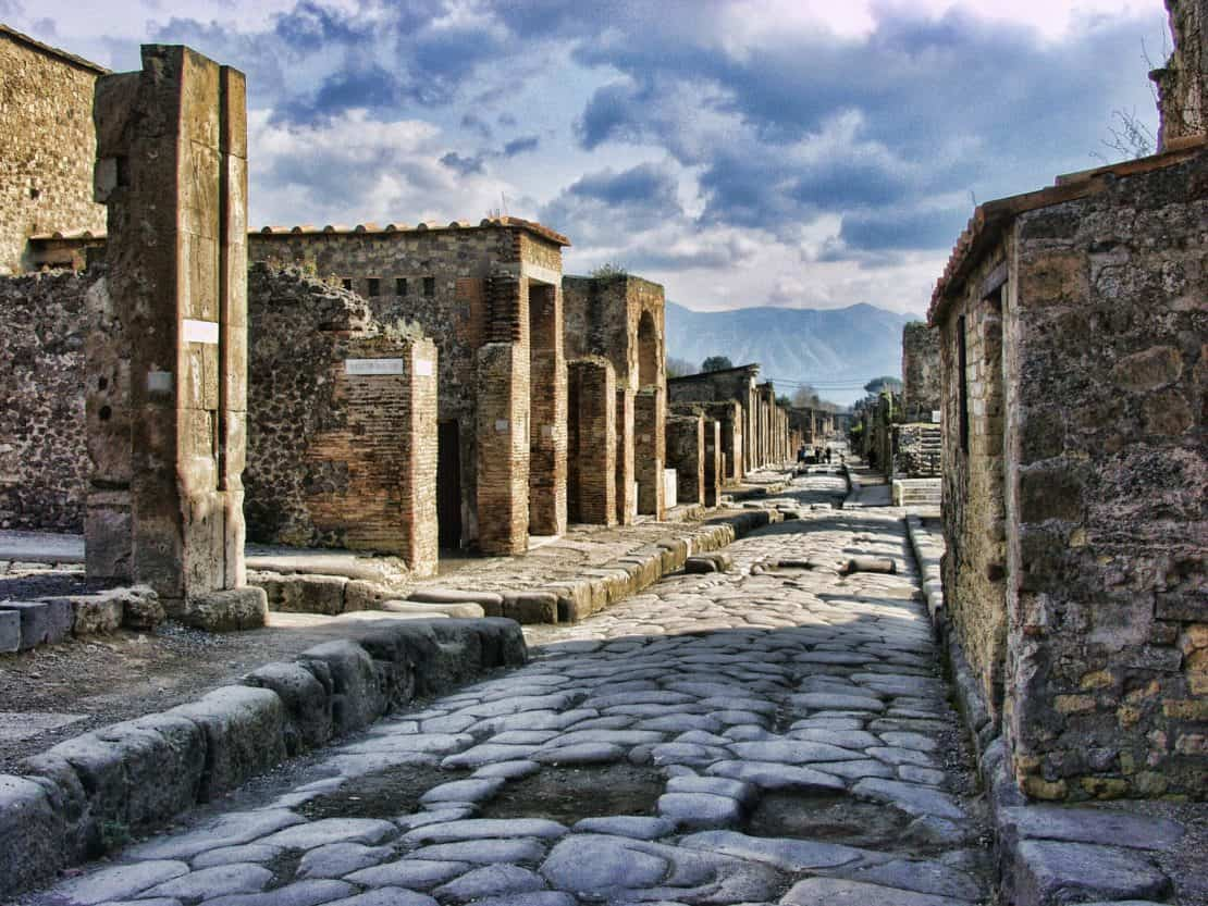 Italy - Pompeii - cobbled streets and houses
